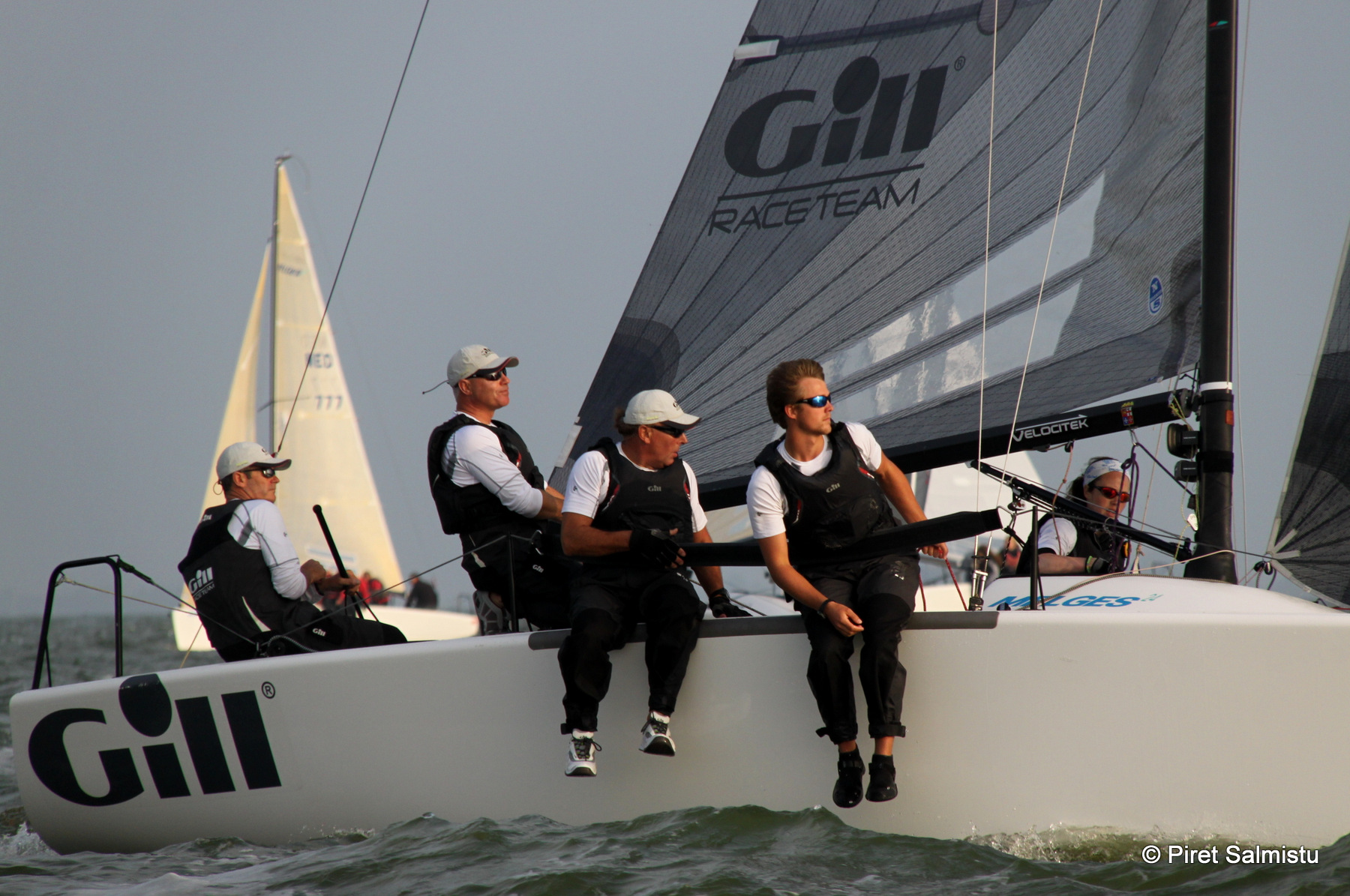 Gill Race Team GBR694